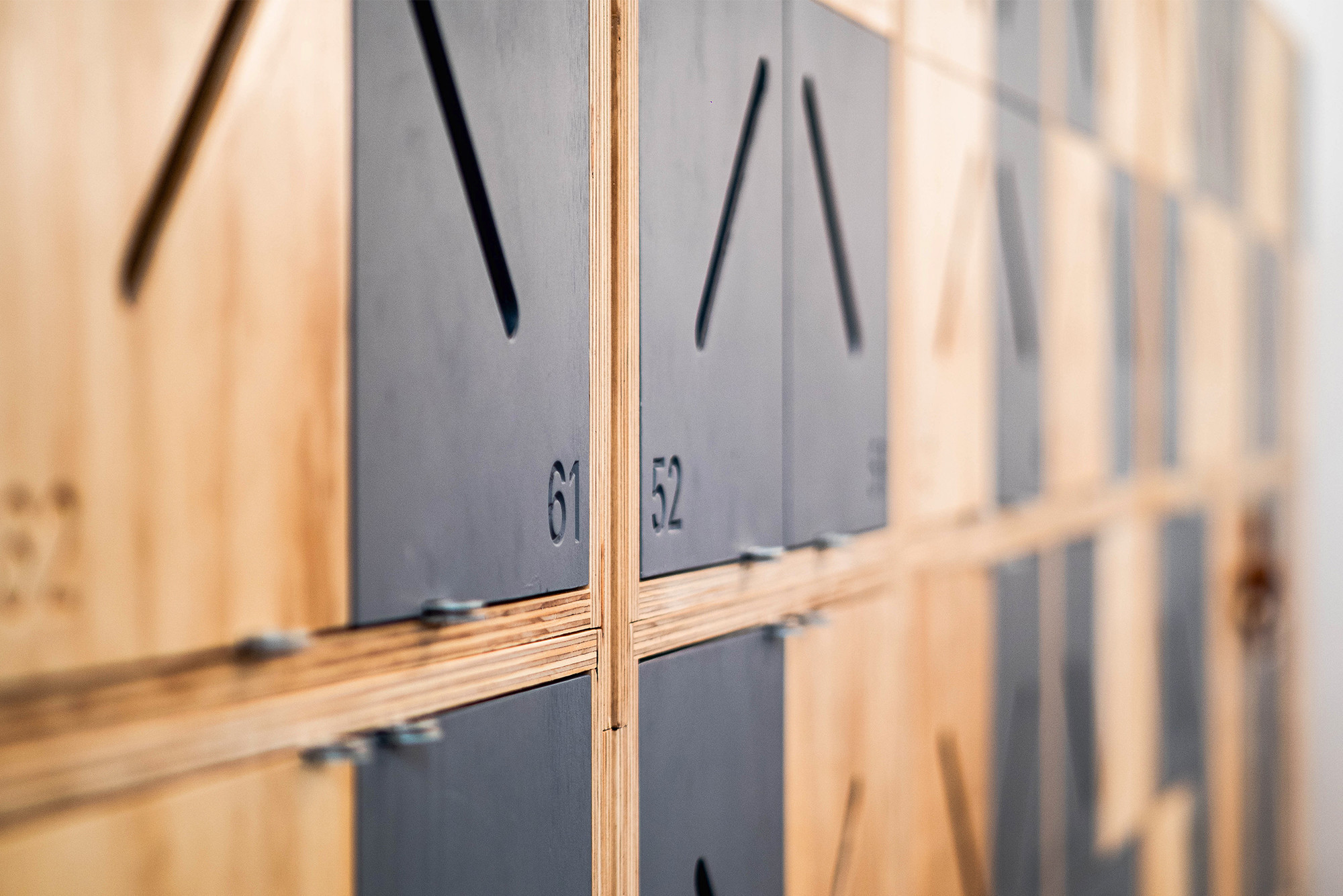 嘉義健身房室內空間設計-置物櫃設計細部照片|塔索肌力與體能訓練中心