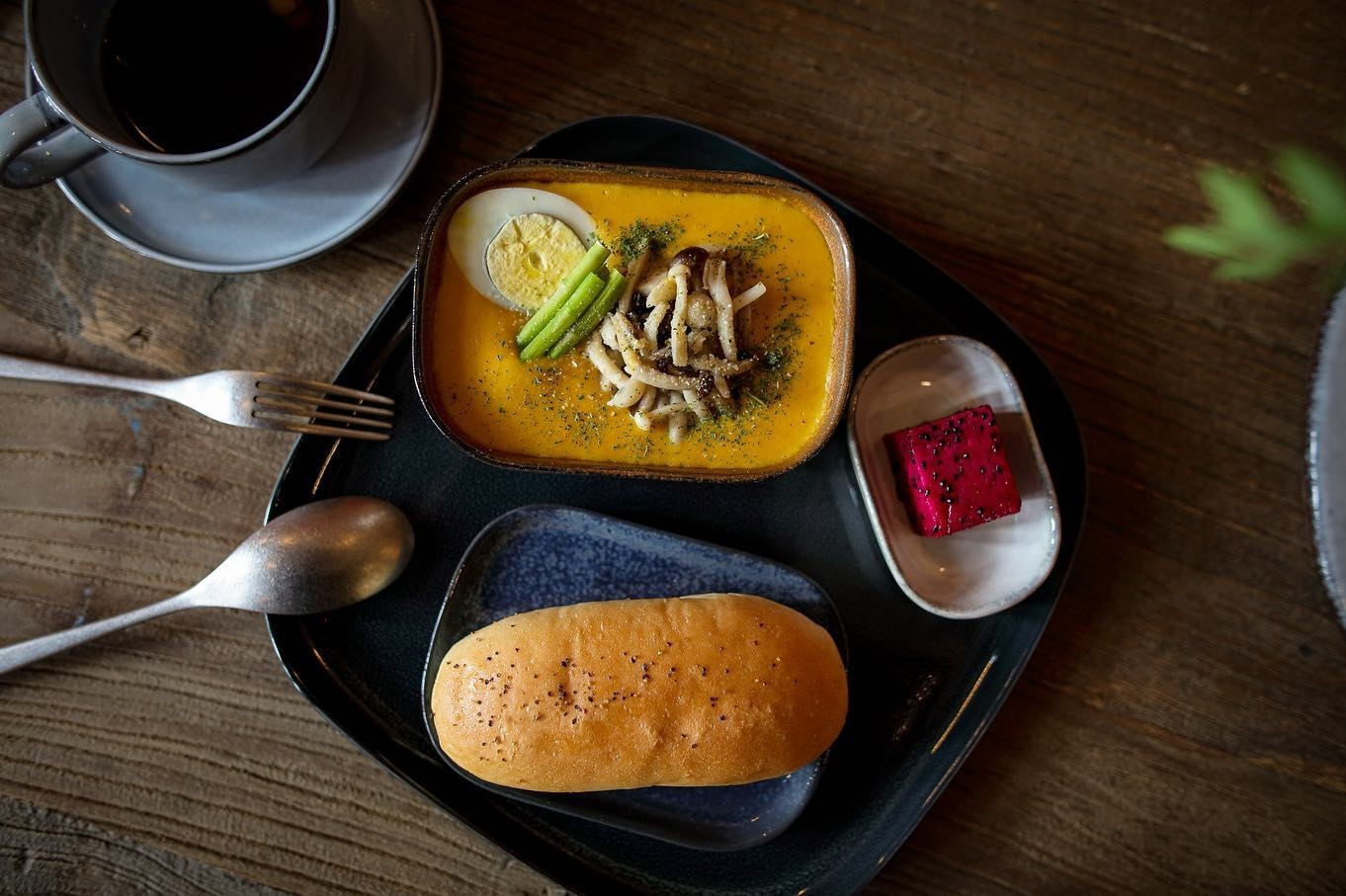 國王蝴蝶秘密基地roicafe咖啡廳-南瓜菇菇輕食|小福砌商業咖啡廳空間設計