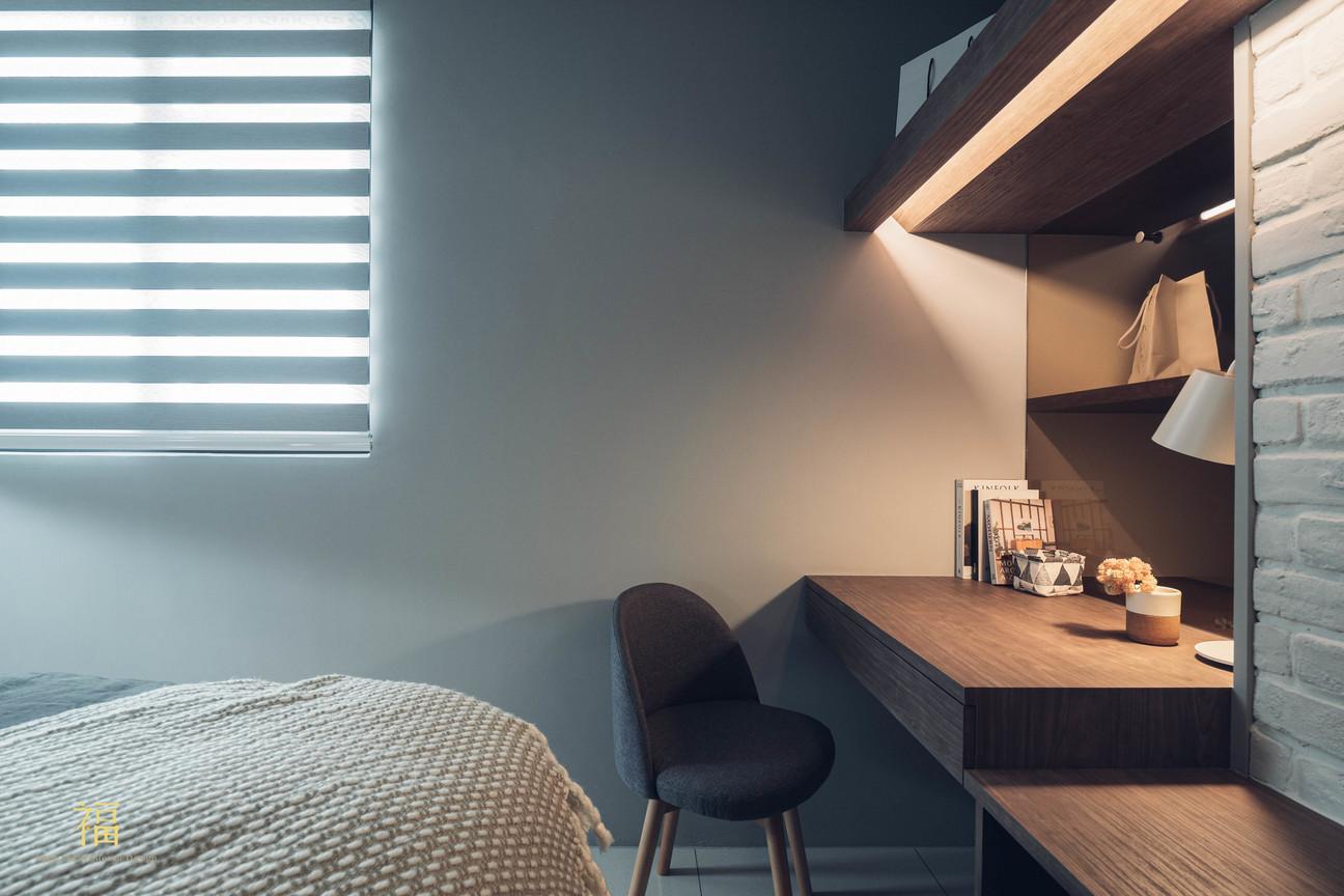 水上敦美 主臥室妝台書桌兩用設計 嘉義住宅空間設計