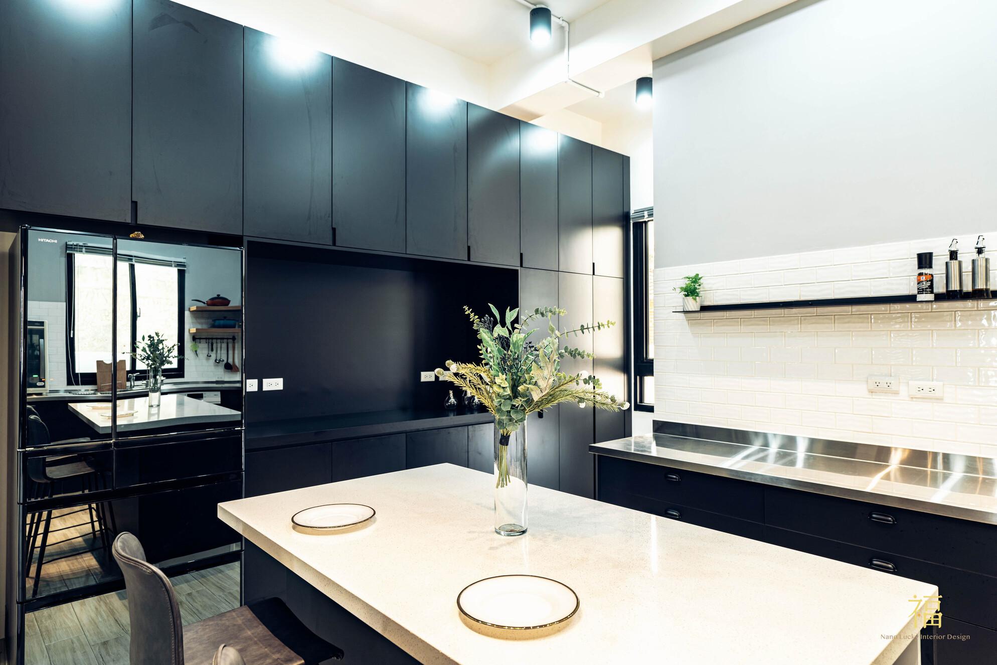 溪口盧宅|白色光潔感中島檯面|嘉義住宅空間設計