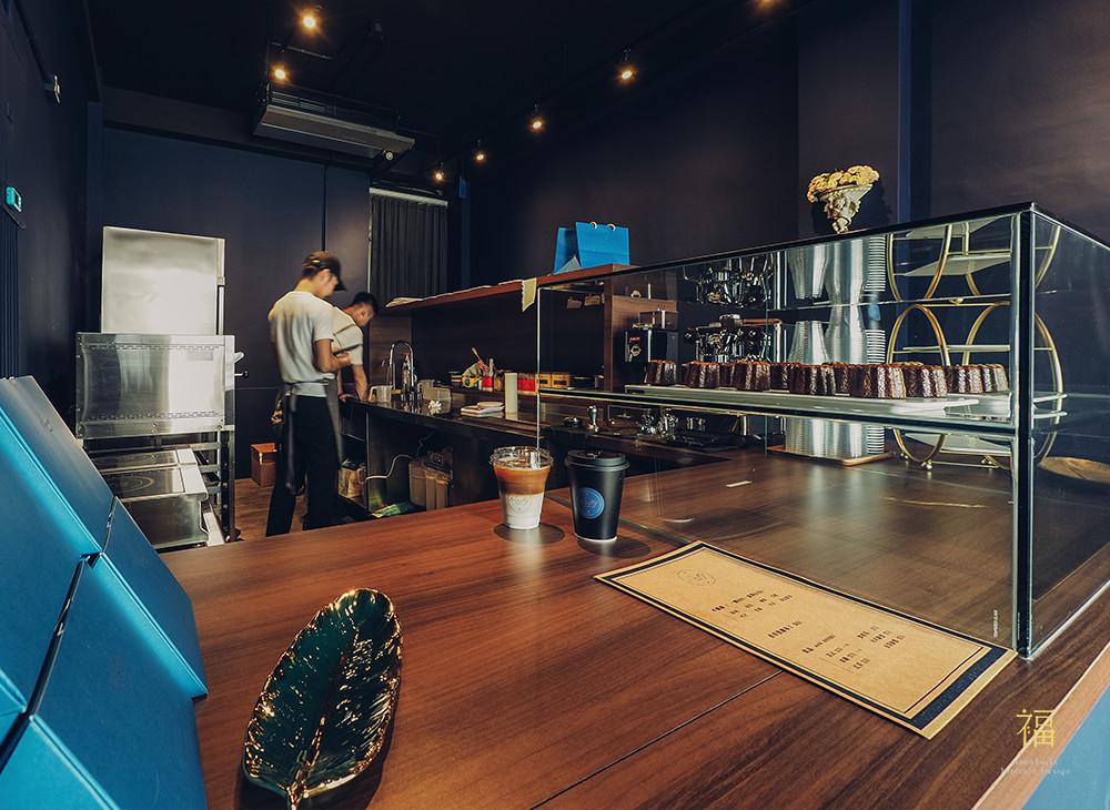 玖零甜食所嘉義可麗露專賣店-櫃檯展示畫面|小福砌商業甜點空間設計
