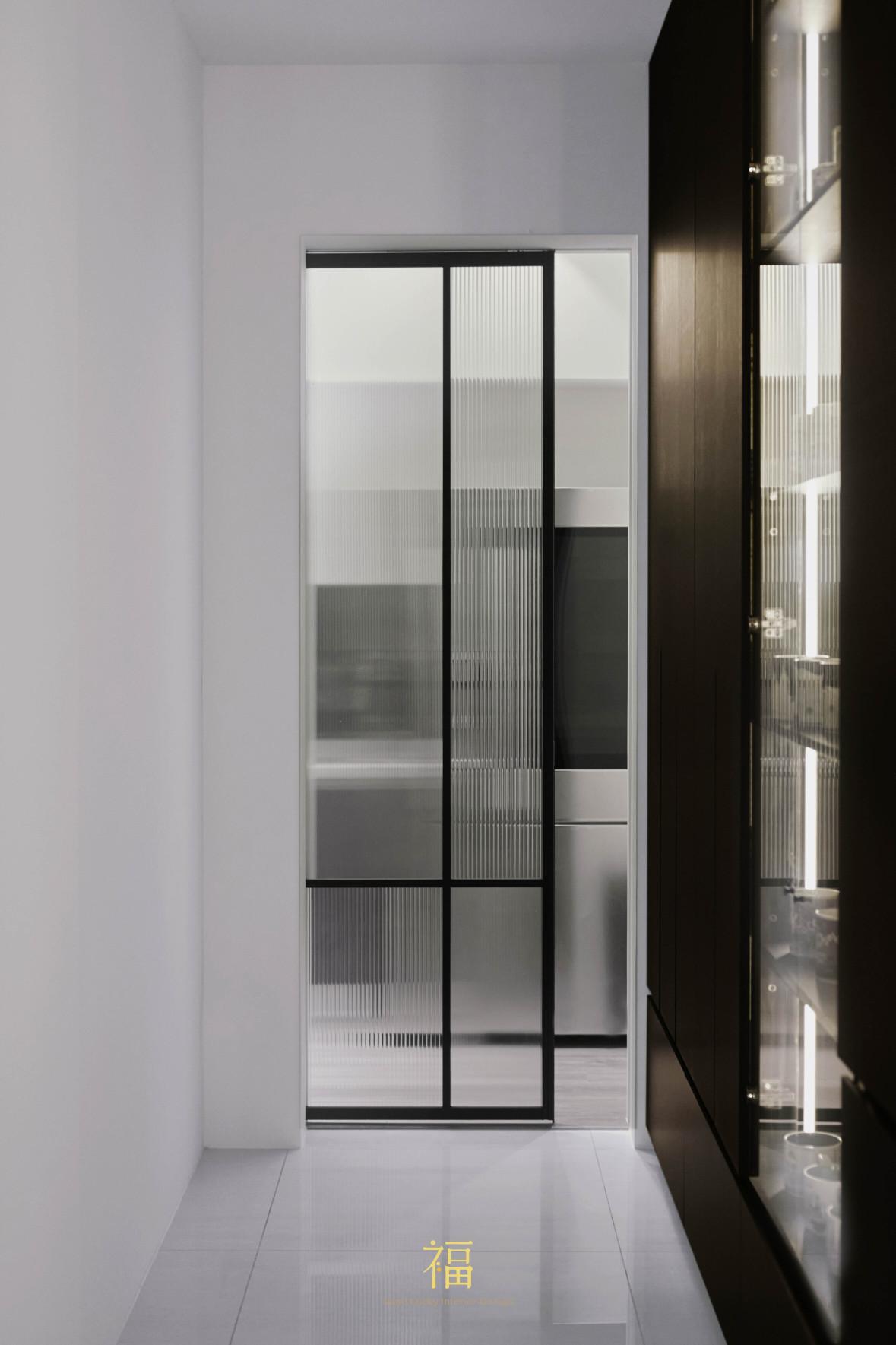 福宅雅居|隔間鐵件玻璃拉門|嘉義住宅空間設計