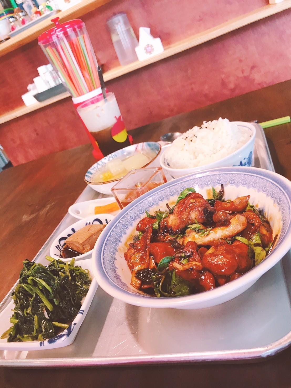 06嘉義東區復古風台式簡餐-弄來小餐桌-三杯雞飯|小福砌餐飲空間設計