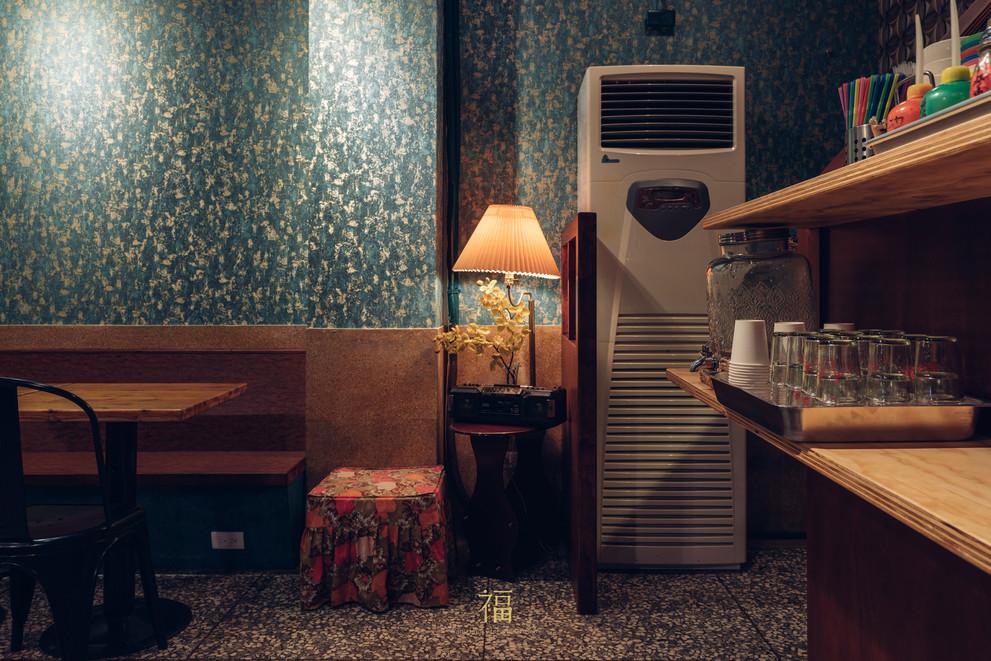 12嘉義東區復古風台式簡餐-弄來小餐桌-舊物裝飾|小福砌餐飲空間設計