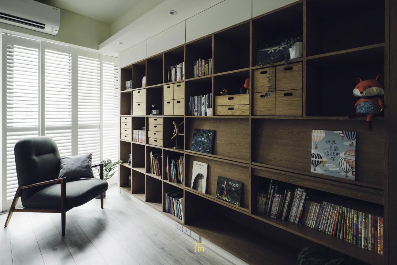16福砌尚讚|臥室書櫃牆面收納設計|嘉義住宅空間設