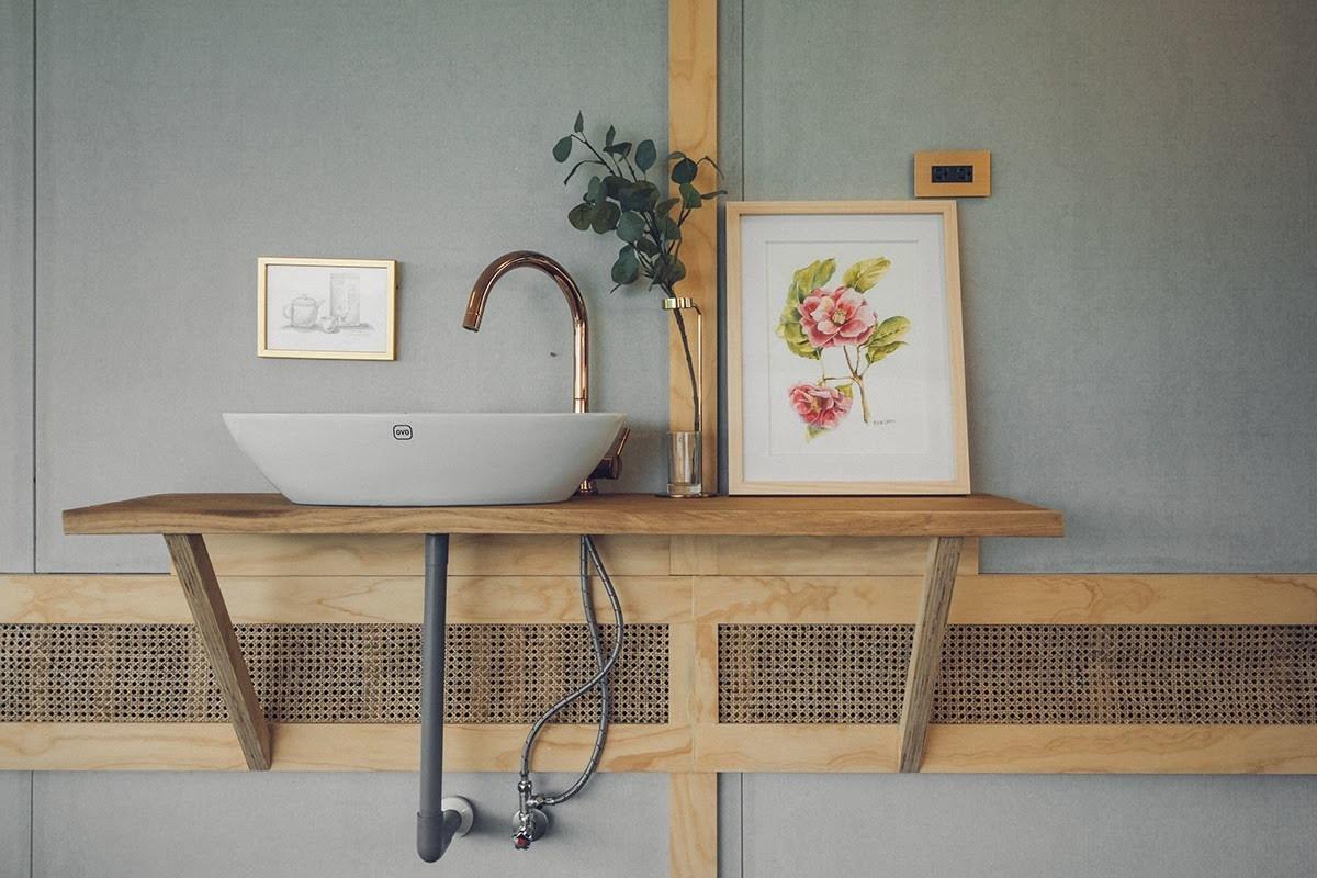 阿里山樟樹湖山角鐵茶屋藤編通風口與洗手台設計