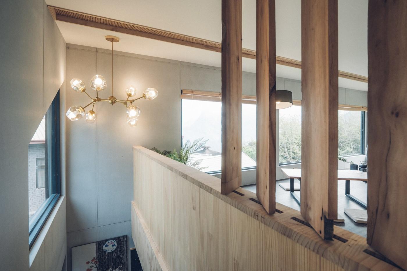阿里山樟樹湖山角鐵茶屋樓梯空間設計