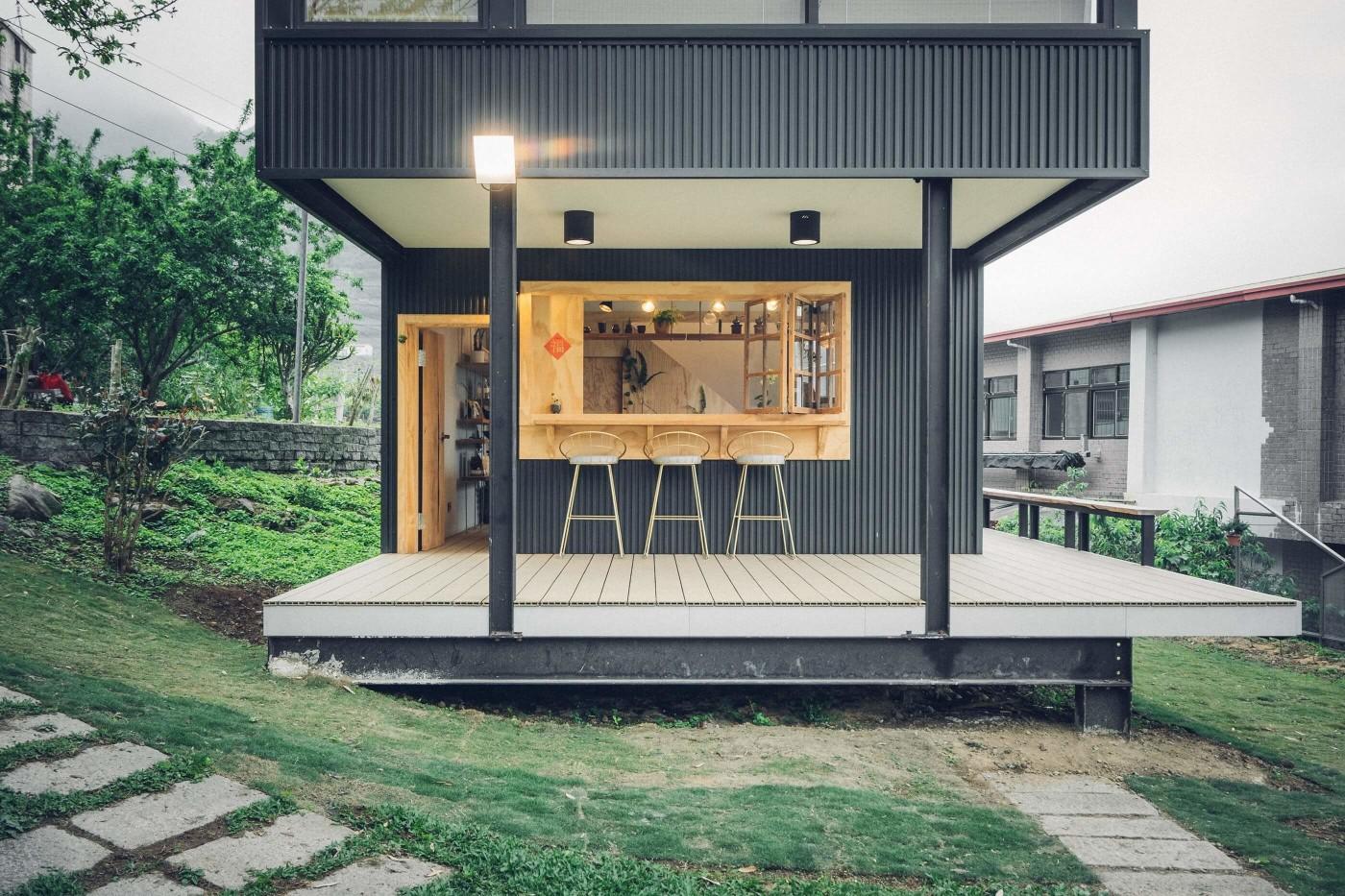 阿里山樟樹湖山角鐵茶屋正面外觀線條設計