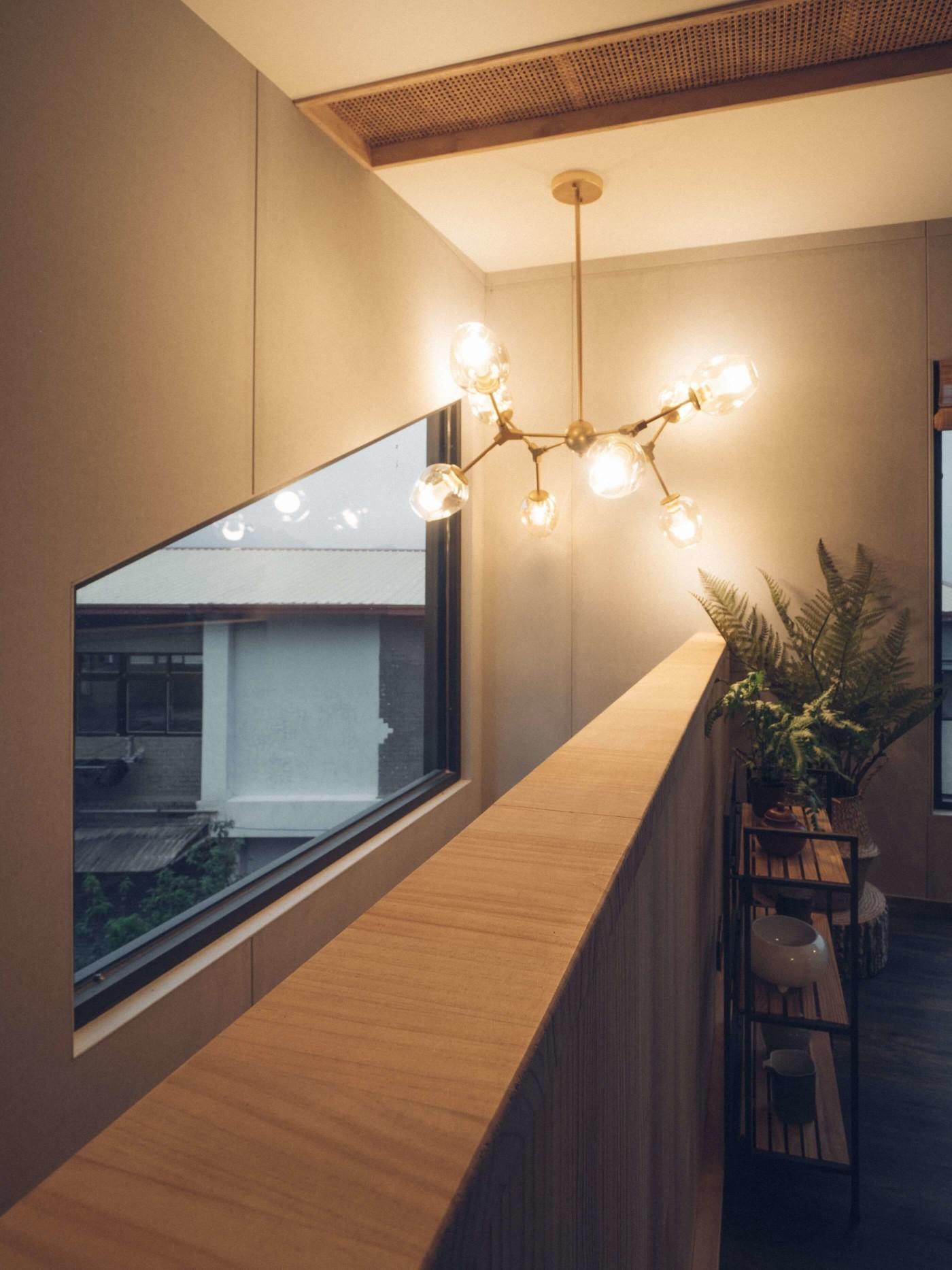 阿里山樟樹湖山角鐵茶屋樓梯空間照明設計