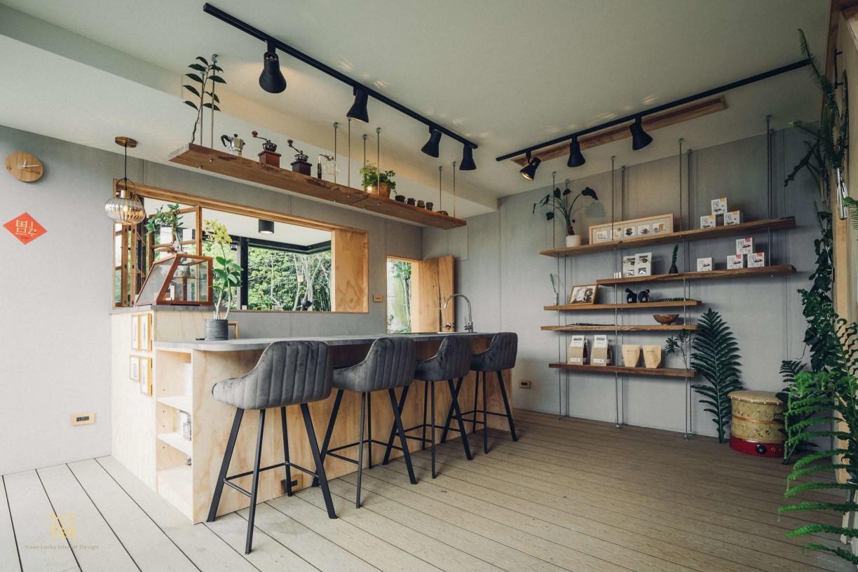阿里山樟樹湖山角鐵茶屋一樓設計