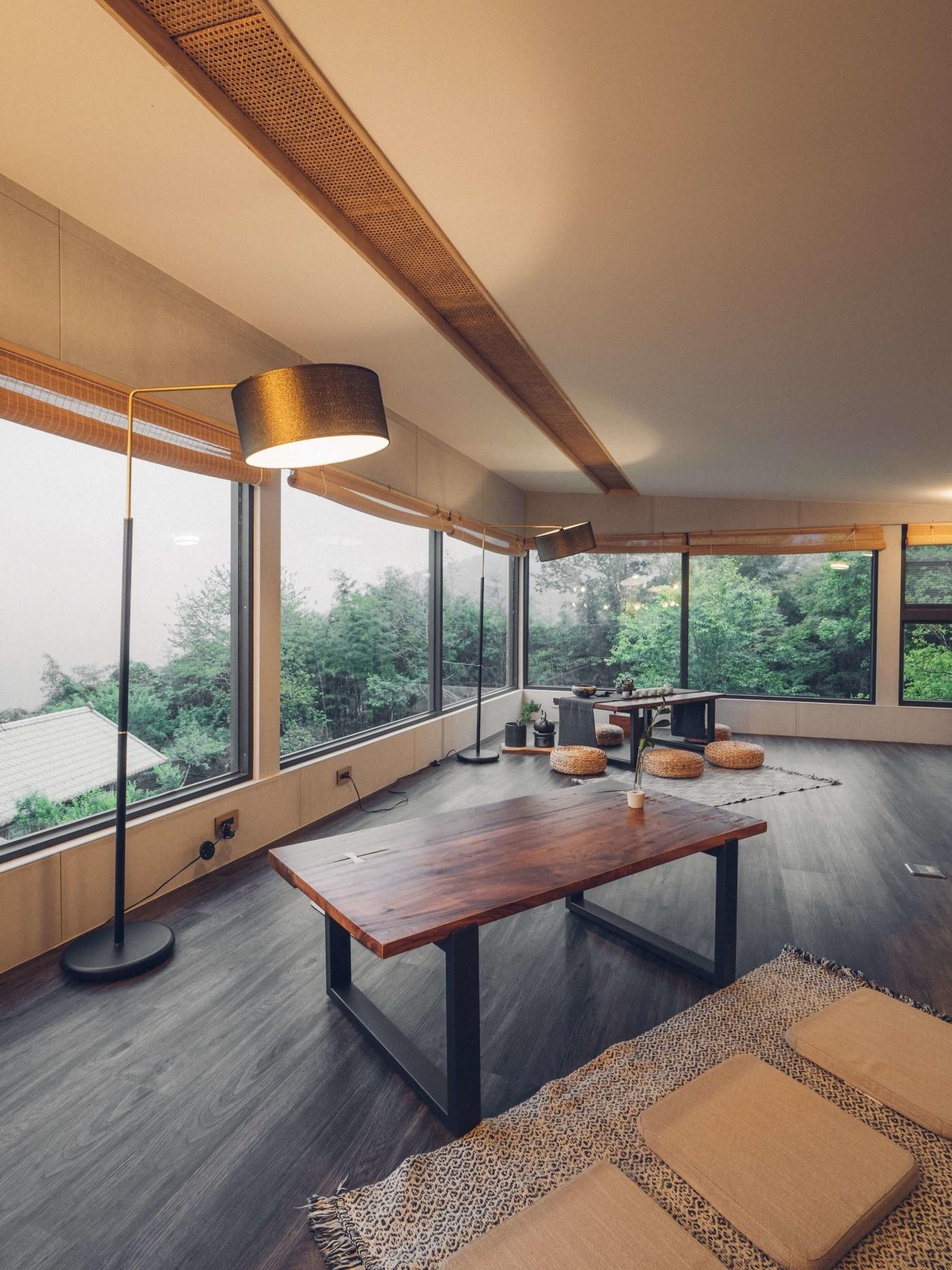 阿里山樟樹湖山角鐵茶屋二樓立燈照明設計
