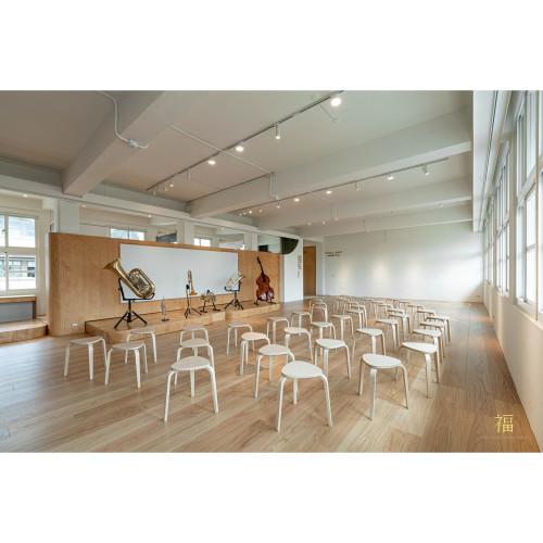 校園美感改造大進擊,質感設計與機能性兼具的國小音樂廳|嘉北ARC音樂廳